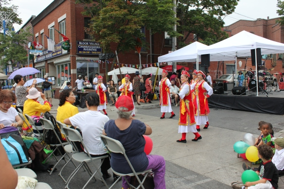 Performances on Bloor
